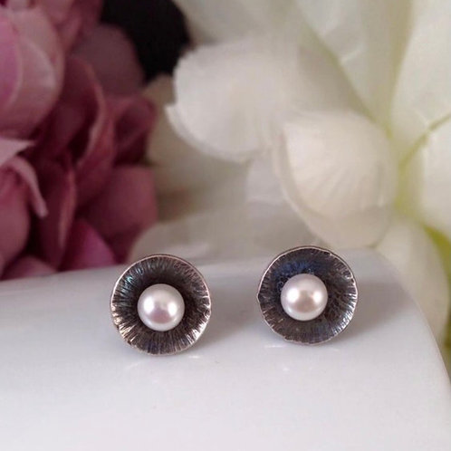 Silver & Pearl studs with oxidised detail