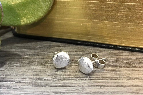 Silver hammered pebble studs