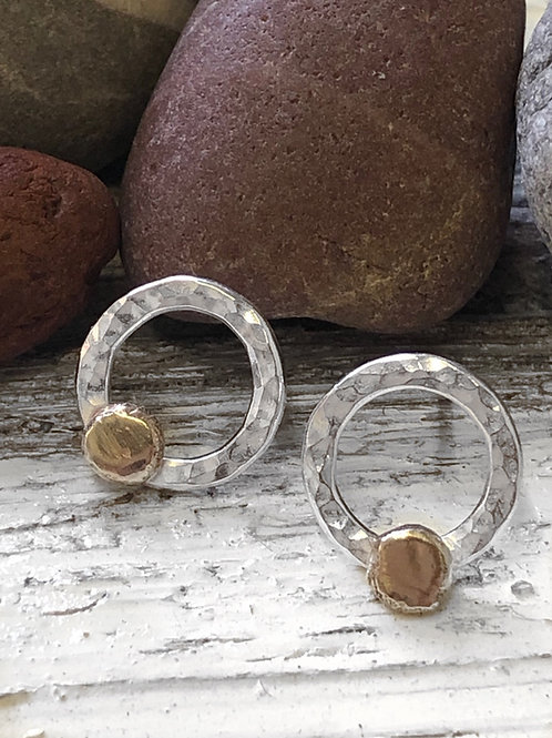 Silver & 9ct gold hammered circle stud earrings
