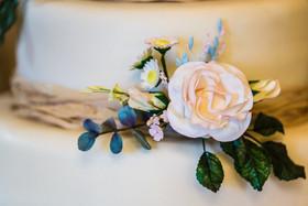 Flower detail on wedding cake
