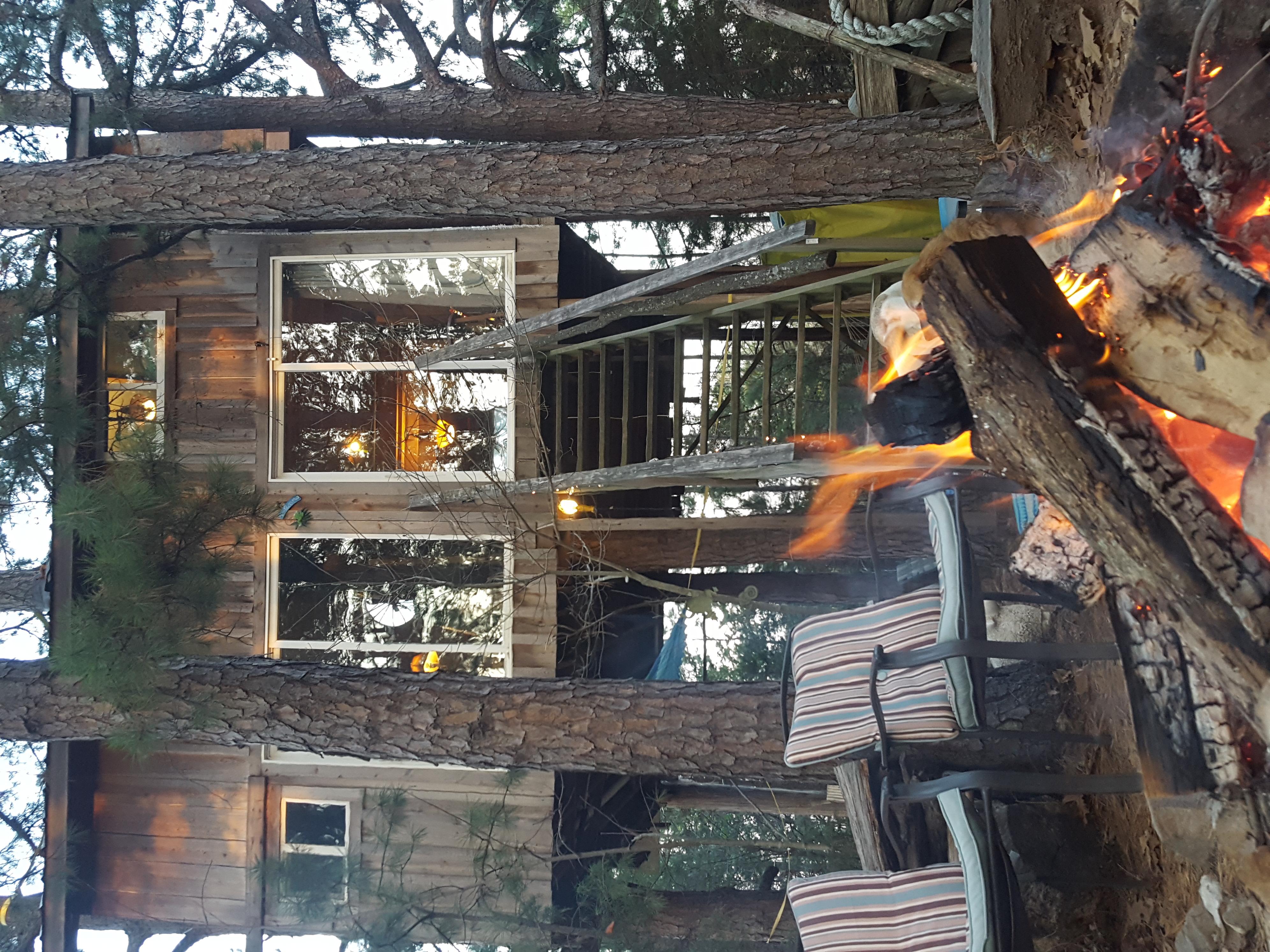 Treehouse Campfire
