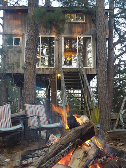 Treehouse Campfire