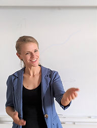 Christina-Arndt-Berlin-Stress lass nach beim Vortrag.jpg