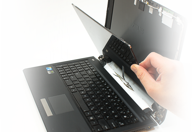 laptop screen replacement near me for Chesterfield, Derbyshire and surrounding area