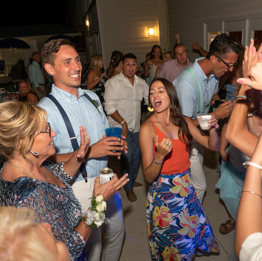 Ocean Isle Beach Wedding dancing with Shoresound Productions Frank Hart Photography