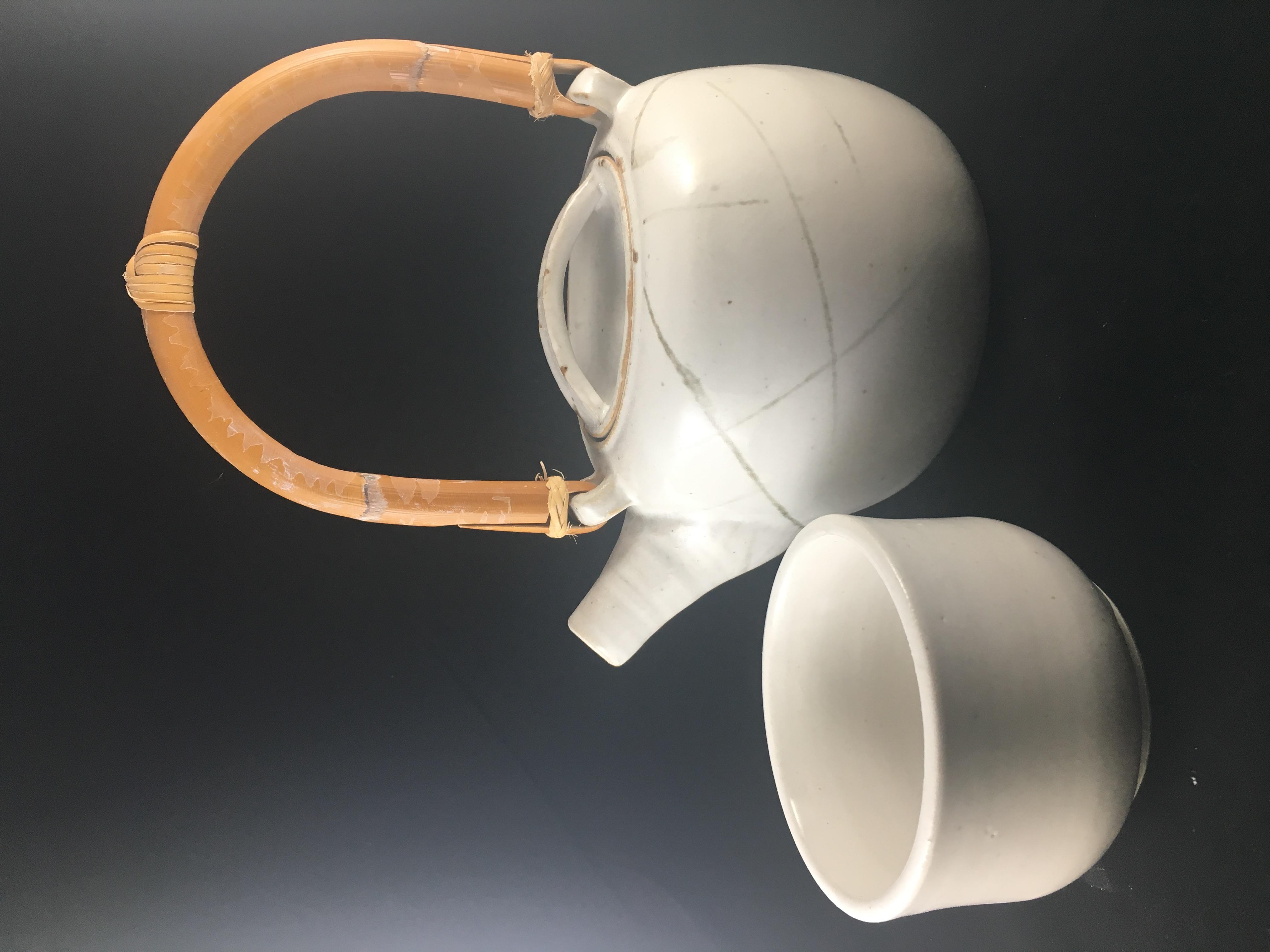 Bamboo Handled teapot