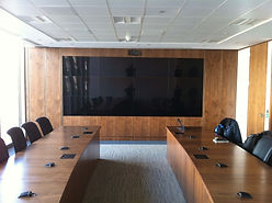 Samsung Digital Signage Video Wall by Freehand