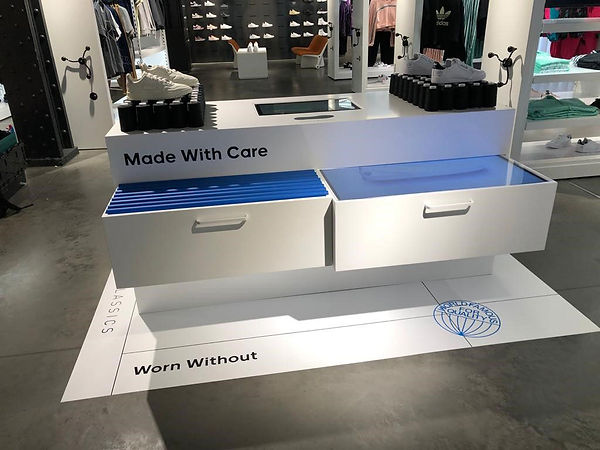 Retail Signage Adidas RFID FixtureCS_Adidas07.jpg