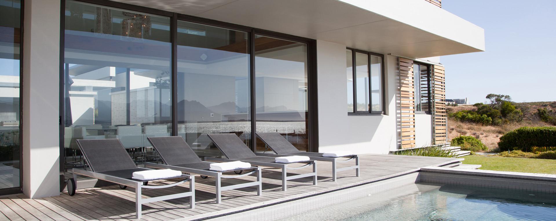 Villa Pool