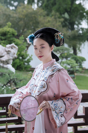 singapore photoshoot chinese gardens qing dynasty costume hanfu portrait dressed up dreams