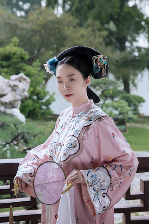 singapore photoshoot chinese gardens qing dynasty costume hanfu portrait dressed up dreams