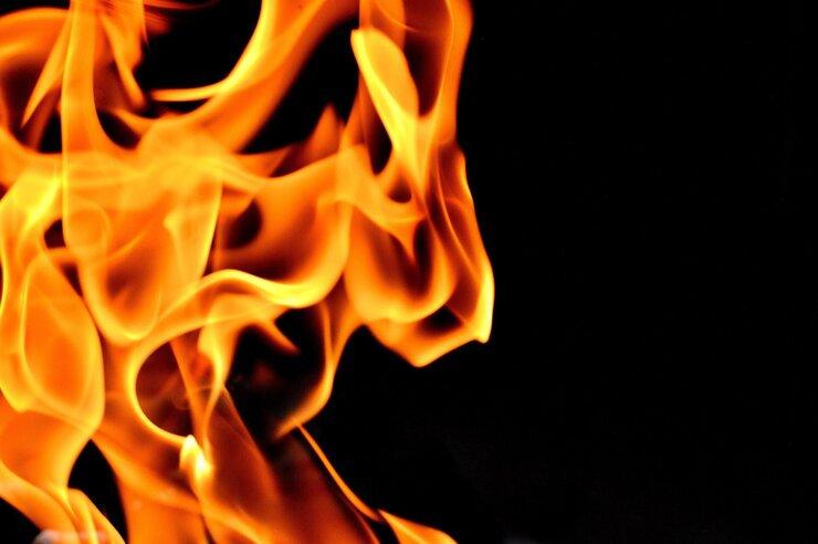 Fire 4 Logo.jpg