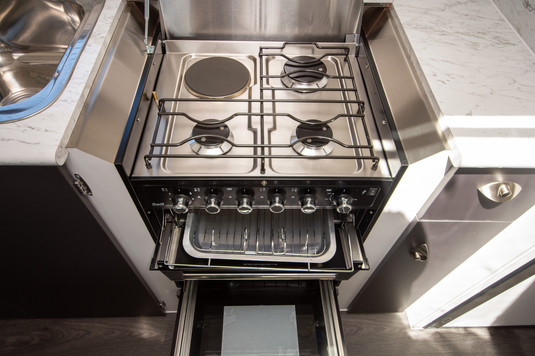 Full ovens with cooktop and grill