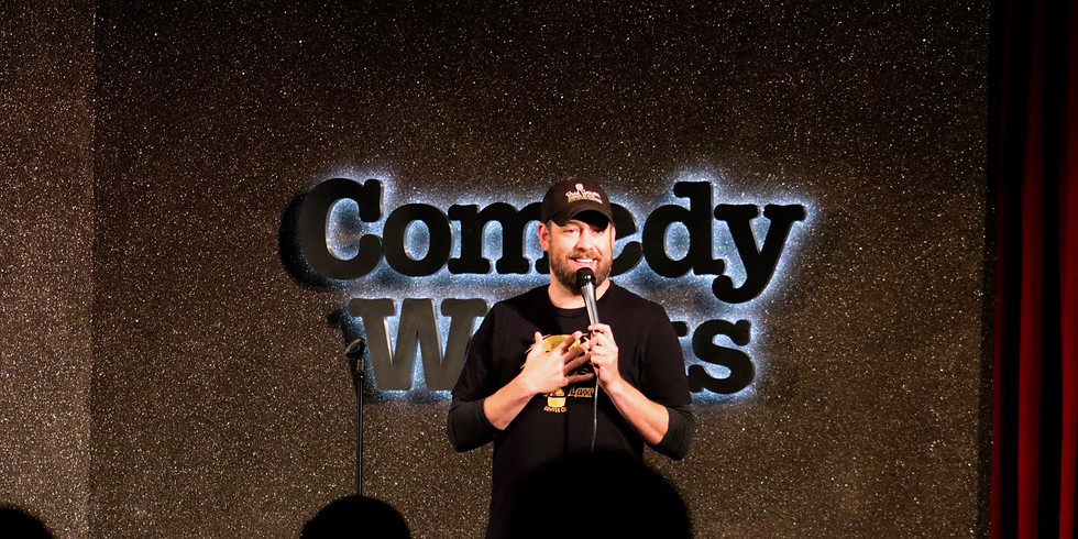 Headlining Loonees Comedy Corner