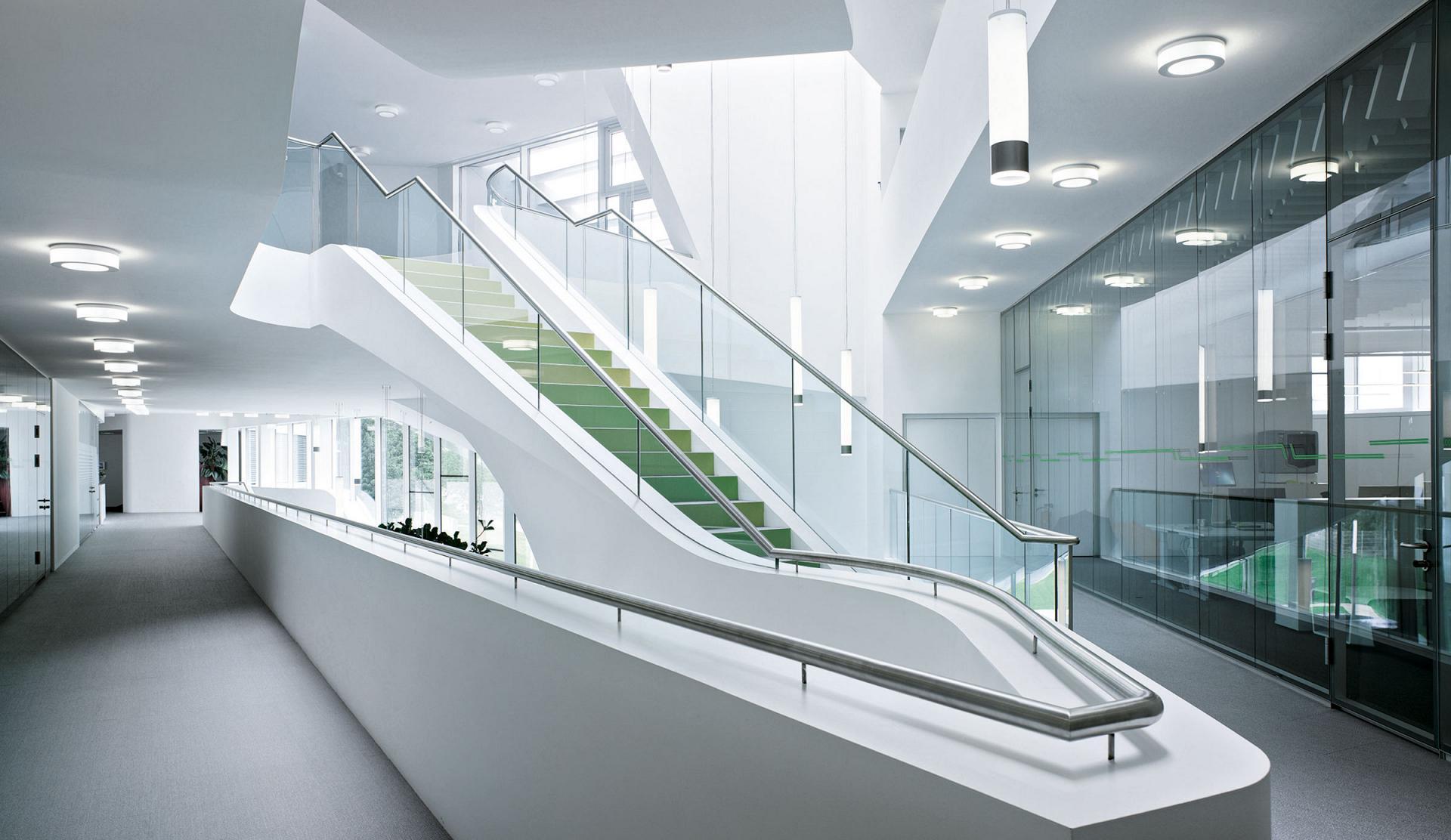 Iluminación_LED_en_portales_y_oficinas