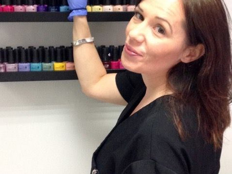 Four things to look out for when choosing a nail tech!