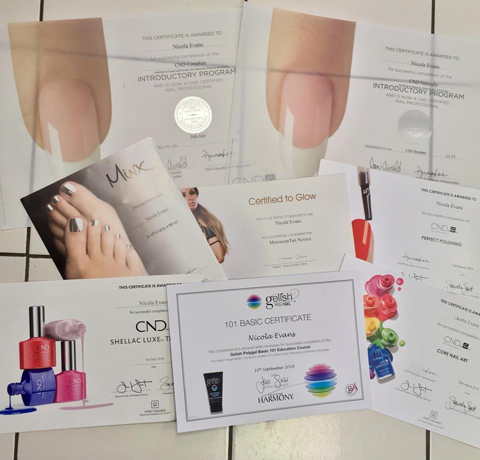 Nail Bar Apsley - Nikki's certificates