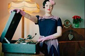 DJ Auntie Maureen