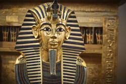 Una-autopsia-virtual-revela-como-se-veia-Tutankamon-en-la-realidad-y-las-imagenes-son-realmente-impa
