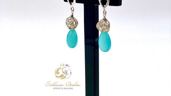 Sterlingsilber Ohrringe mit blauem Chalcedon, handgefertigt