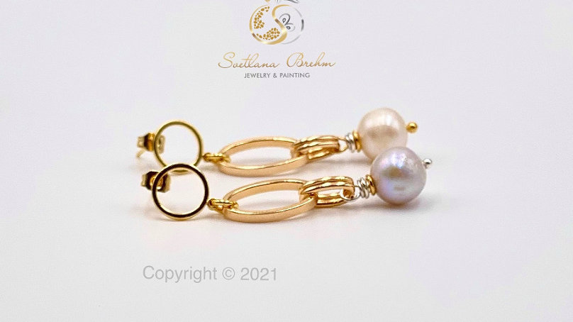 Designer Ohrringe mit Süßwasserperlen, hangefertigt