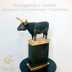 """Stier 2"", Skulptur in Eichenholz, handbemalt, Stefan Neidhardt, signiert, datiert 2020"