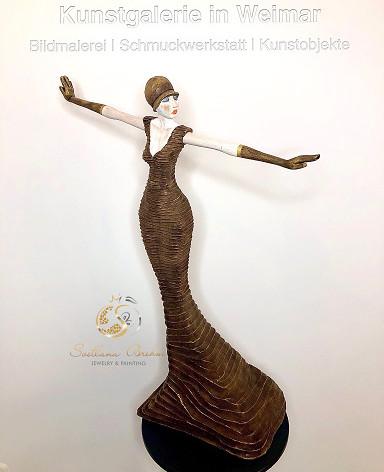"""""""Lola"""", Skulptur in Lindenholz, handbemalt, Stefan Neidhardt, signiert, datiert 2018"""