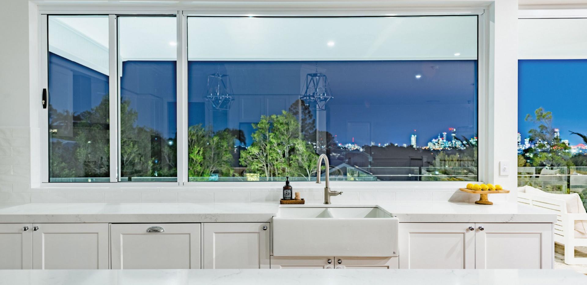 White-Sliding-Window-next-to-a-large-fix