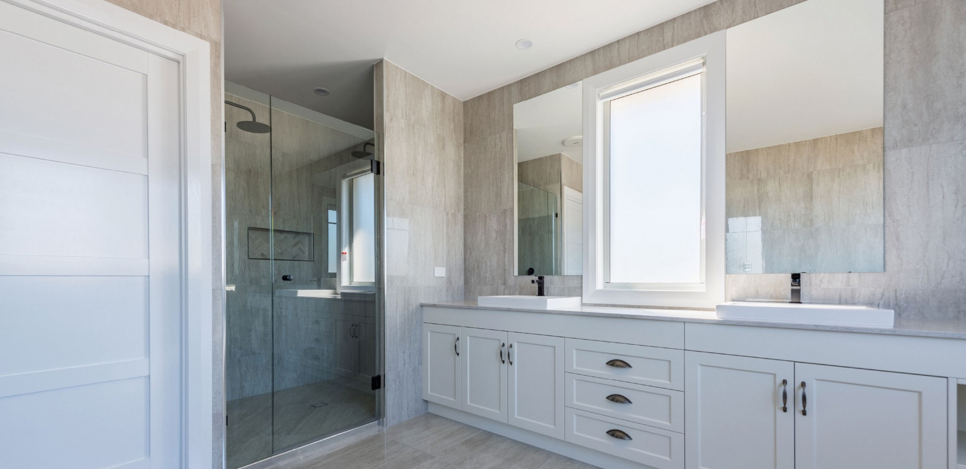 Two-Frameless-Mirrors-next-to-a-fixed-wi