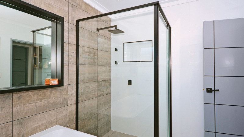 Black-Framed-Shower-Screens-1024x576@2x.