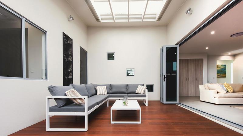 Ultra-Silver-Aluminium-Bi-fold-Doors-wit
