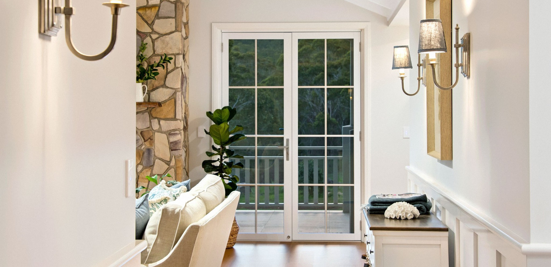 White-Hinged-Door-with-colonial-bars-102