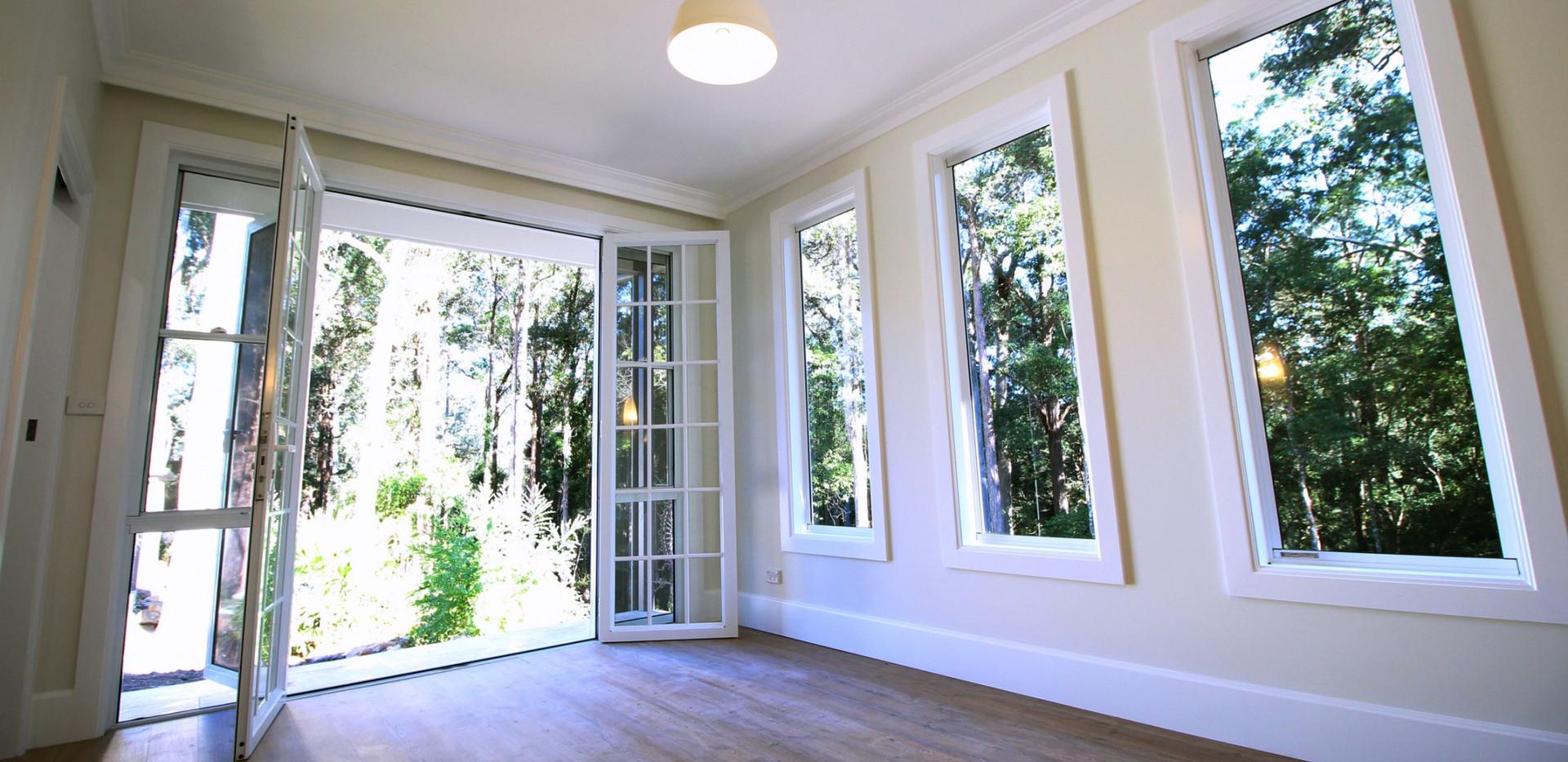 Aluminium-Hinged-Door-with-colonial-bar-