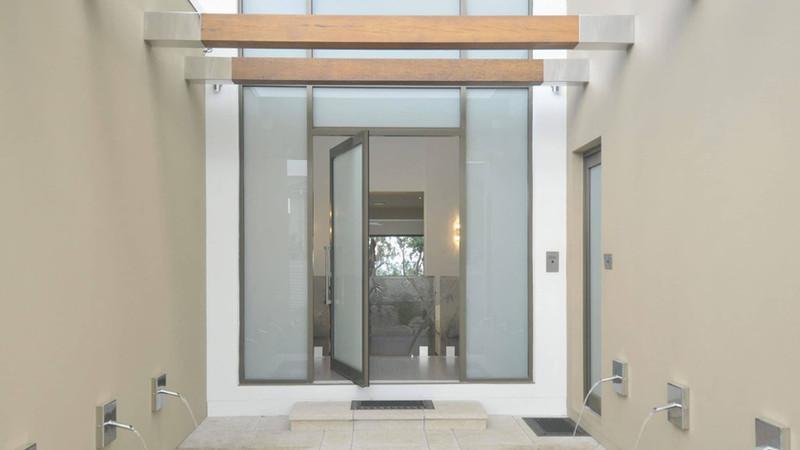 Pivot-Aluminium-Door-with-obscure-glass-
