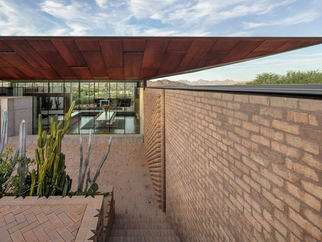 A-I-R creates oasis around central living spaces at Arizona desert house