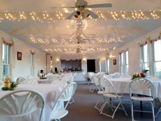Reception barn with lights.jpg