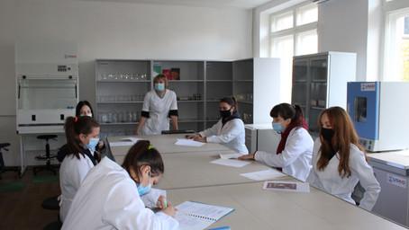 Відвідали навчальні лабораторії «Ветеринарна медицина» та «Харчових технологій»