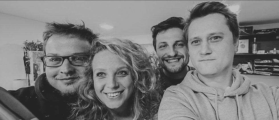Defabrik - Kreativní tým. Multimédia, design, reklama. Reklamní a grafické studio, foto a video, sound design, logo a firemní identita, reklamní kampaně