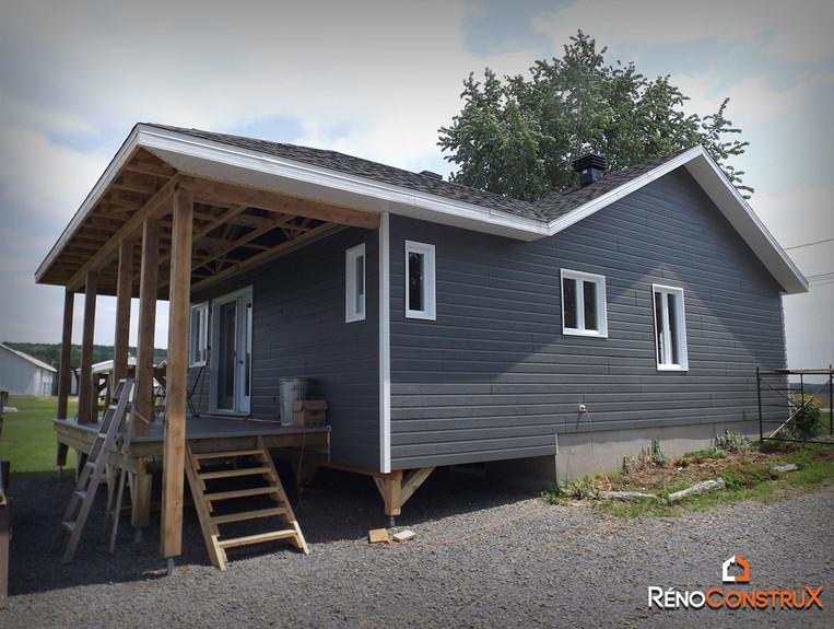 Agrandissement maison sur pieux - Beaupré, Québec