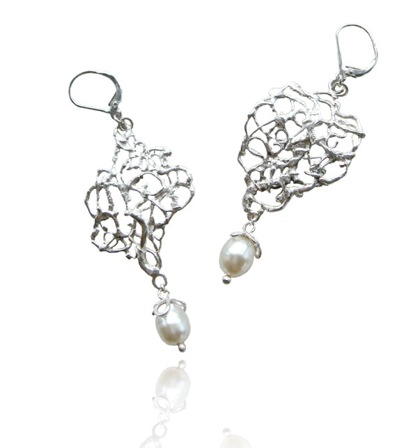 Xylem Pearl Earrings