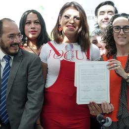 Firma del convenio entre SIBISO y Casa de las Muñecas Tiresias para le entrega del inmueble de Casa Hogar Paola Buenrostro