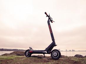 İnokim OXO İncelemesi: Bu Rekor Kıran Scooter Mükemmele Neden Bu Kadar Yakın