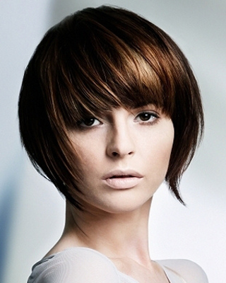 Các kiểu tóc ngắn cho mặt tròn đẹp xinh xắn2.jpg