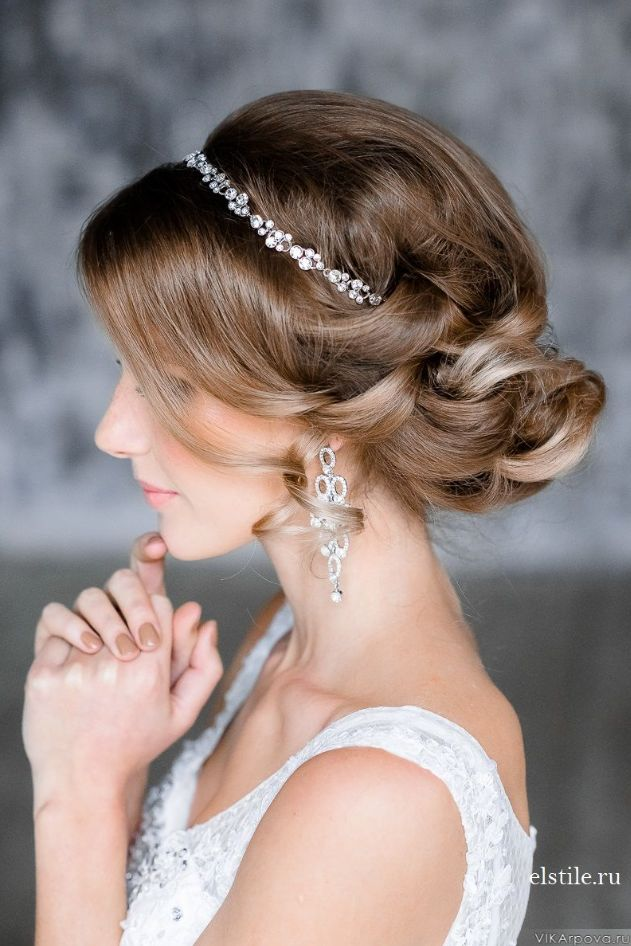 Updo-Wedding-Hairstyles-with-Pure-Elegance.jpg