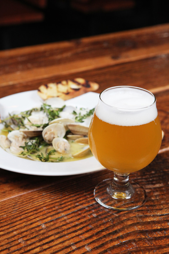 Beer-steamed manilla clams with herbs, garlic butter and grilled bread, paired with Farmhouse saison at Grain Station Brew Works // Rockne Roll