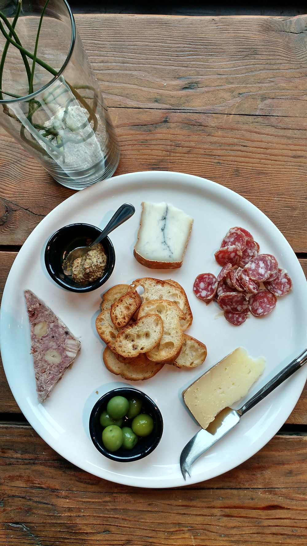 Meat and cheese plate at Brooks Wines // Ossie Bladine