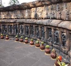 Temple des Yoginîs à Hirapur