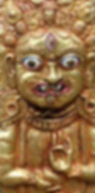 Bairhava aux mains en mudras