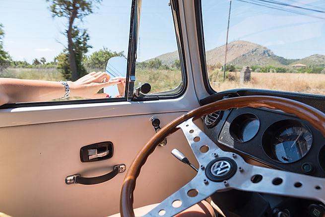 Volkswagen Camper Bulli en el interior de Mallorca