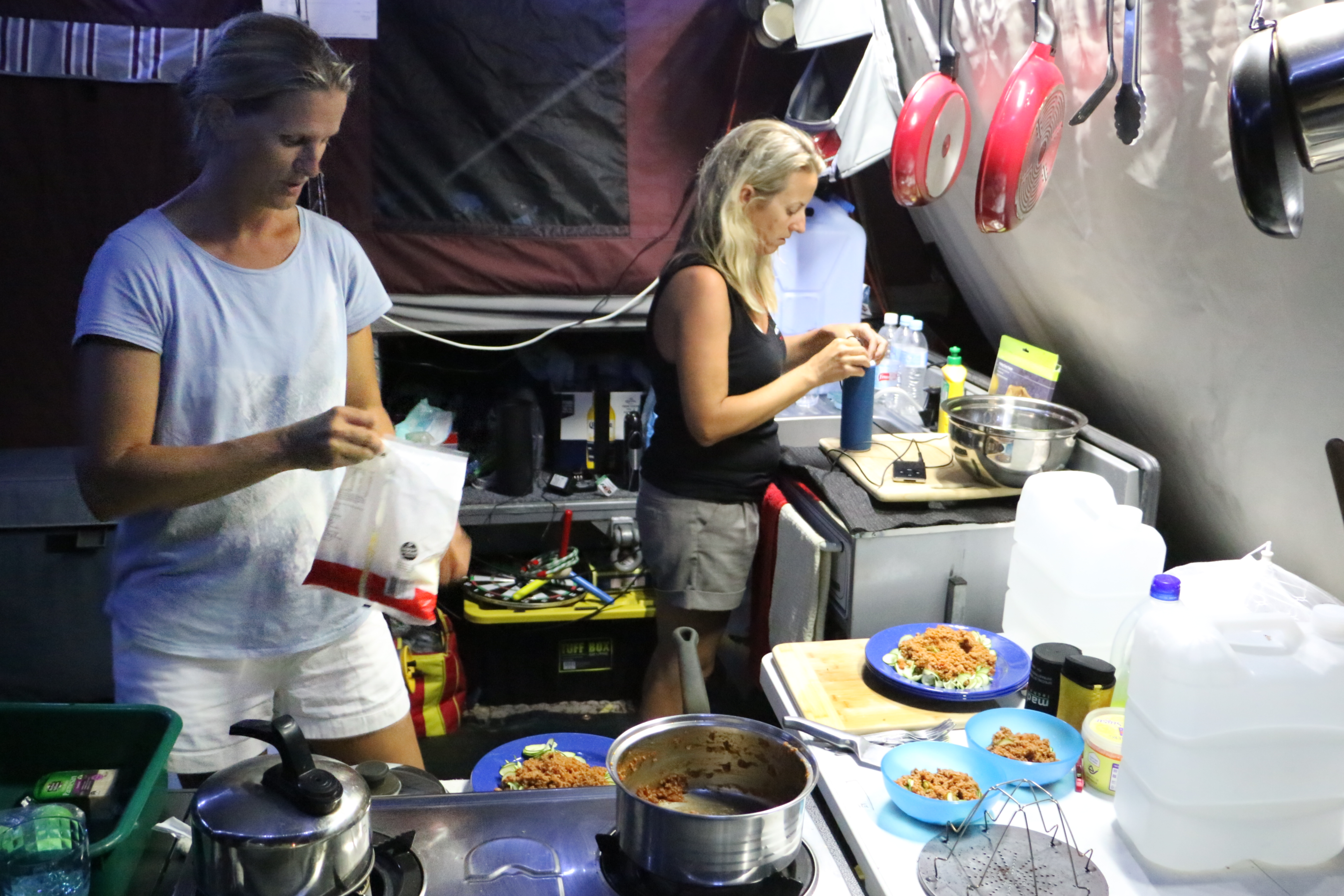 4wd travel - Camper Kitchen
